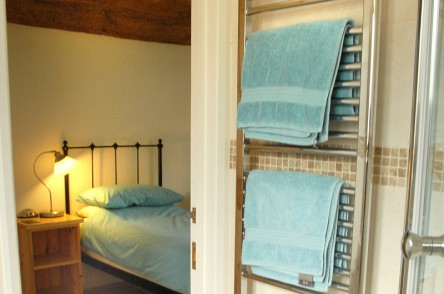 The Granary twin bedroom